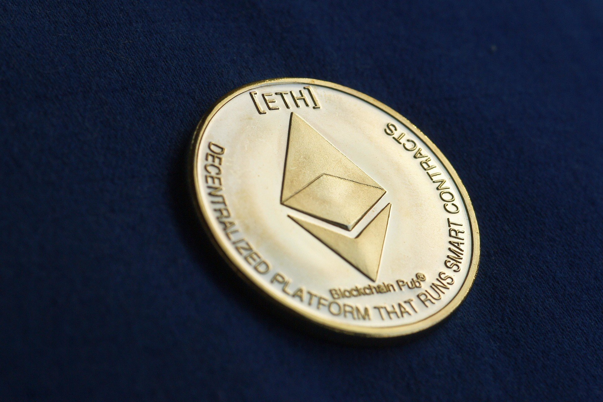 Crypto Analyst Explains Why He Believes Ethereum Price Could Hit $2000 in February