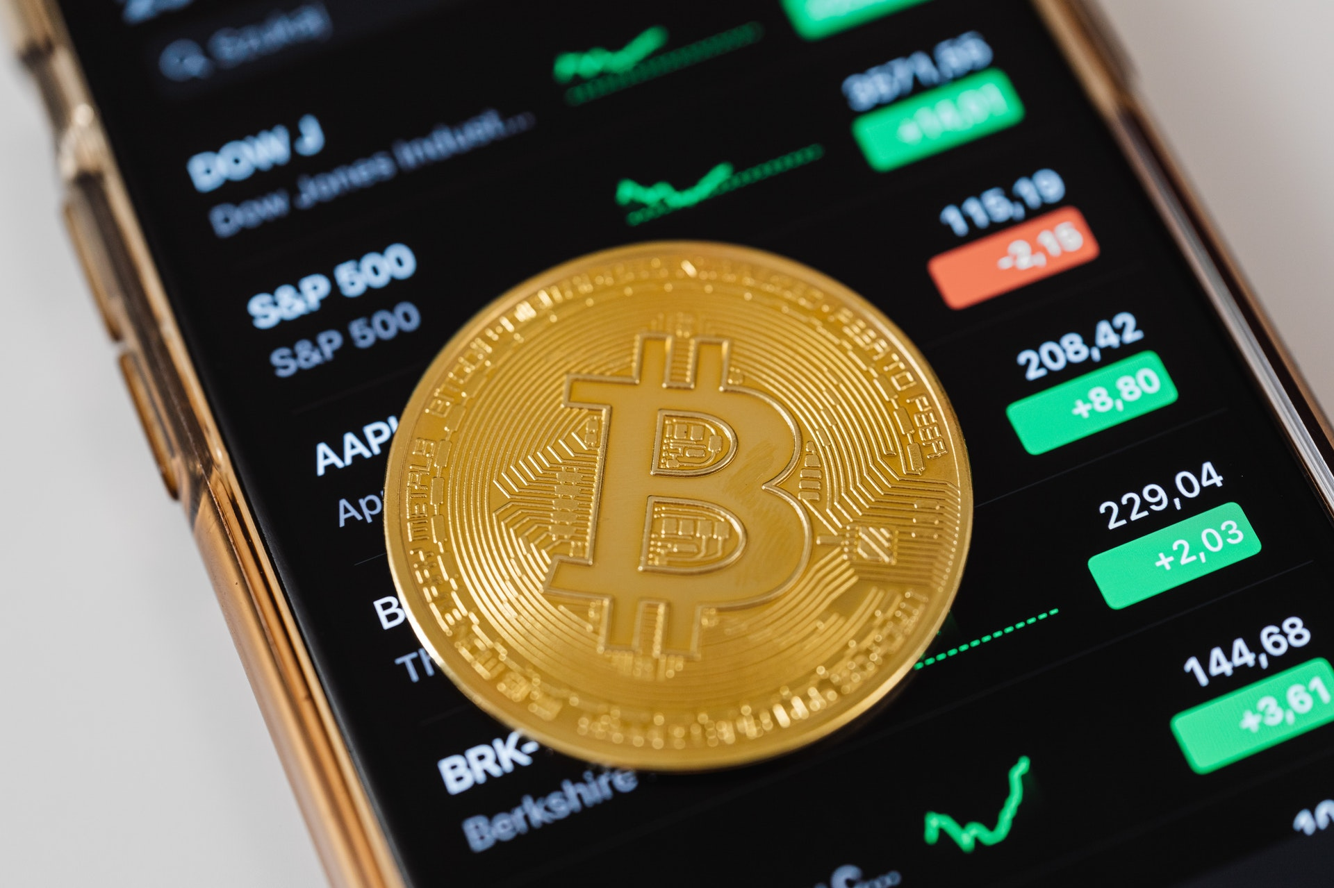 Bitcoin: Asset Manager Makes $1.1B Profit in 6 Months From a $600M Investment